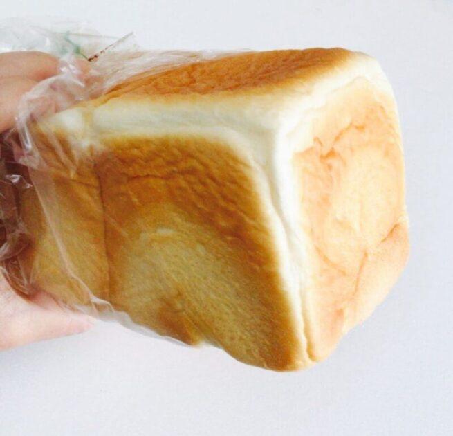 浅草ペリカンの食パン一斤