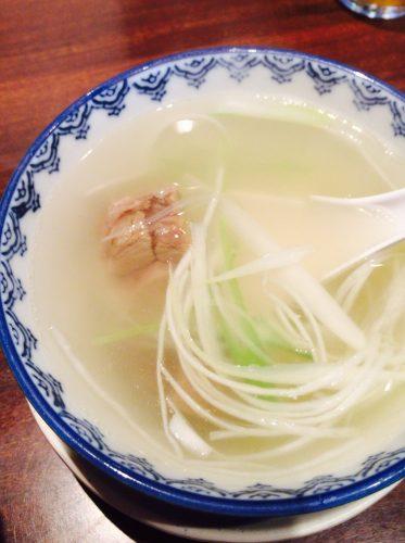 牛たん炭焼利休の定食のスープ