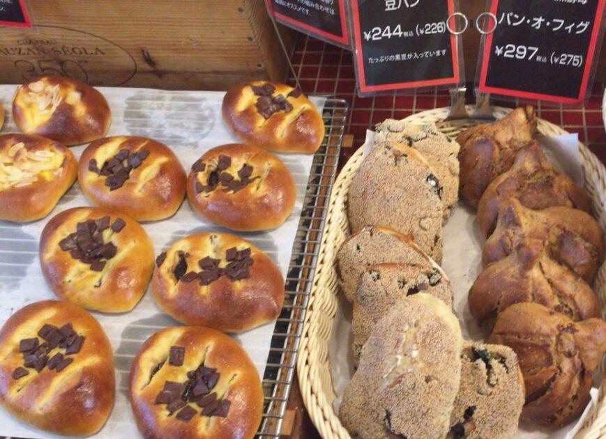 高輪台のセイジアサクラの店内に陳列されていたパン