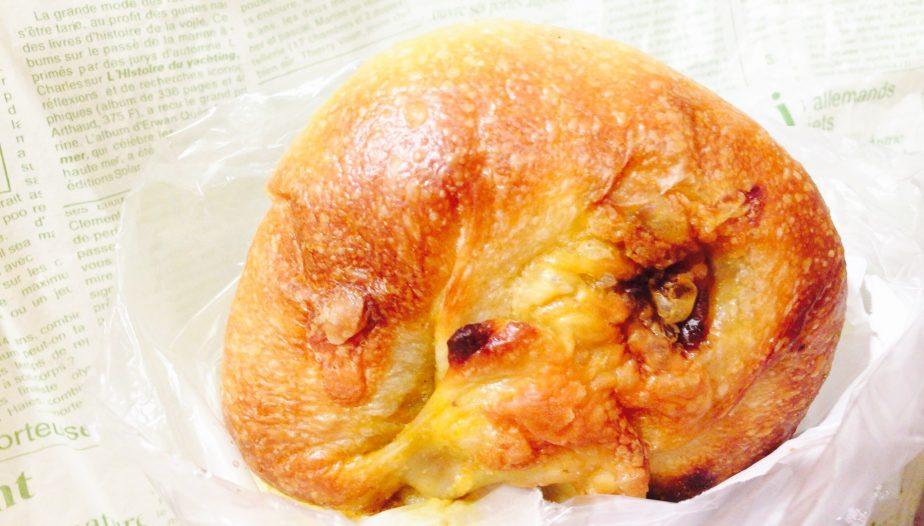 高輪台のセイジアサクラのチーズカレーパン