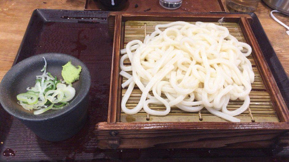 話題の激安そば屋嵯峨谷池袋店でうどんを実食