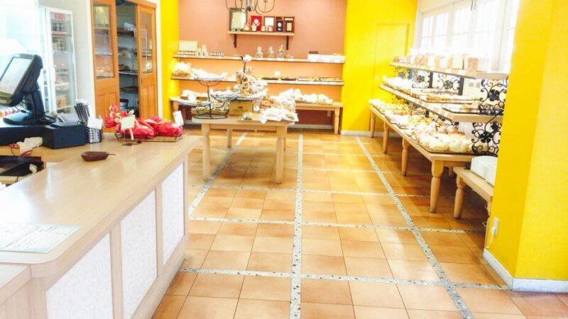 小岩ラ・タヴォラ・ディ・オーヴェルニュの店内の様子