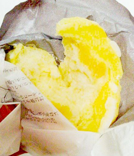 八天堂のメロンパンのカスタードは表面が少し硬い