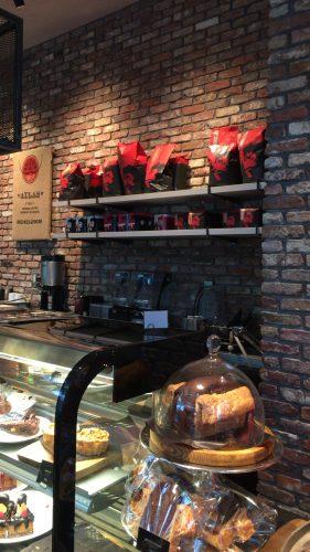 ゴリラコーヒー池袋の店内