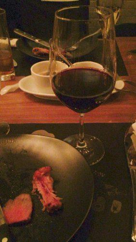 バルバッコアの肉と一緒にワインも堪能