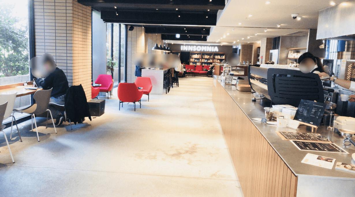ウニール赤坂の店内は広く開放感がある