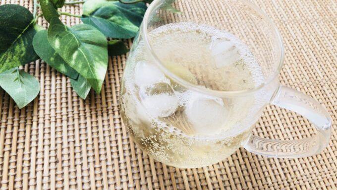 武州養蜂園のはちみつ飲料梅味を炭酸水で割る
