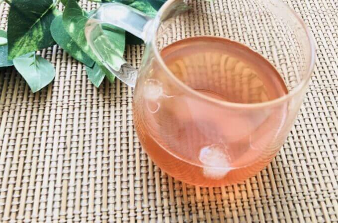 武州養蜂園のはちみつ飲料りんご味を紅茶で割る